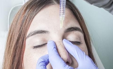 Inicio del tratamiento de remodelación de la nariz en Paseo de Gracia